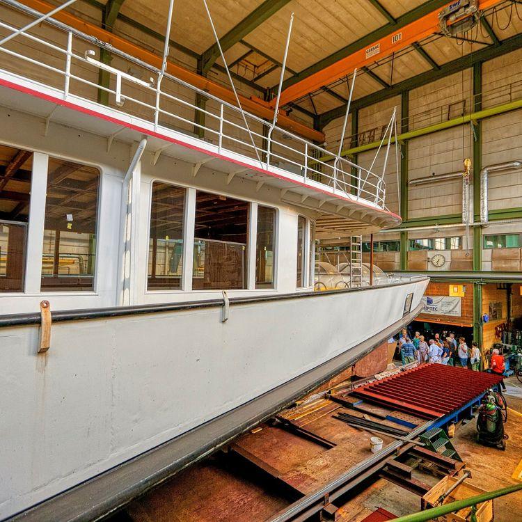 Sommeranlass der FDP.Die Liberalen mit Besuch der Shiptec Werft in Luzern